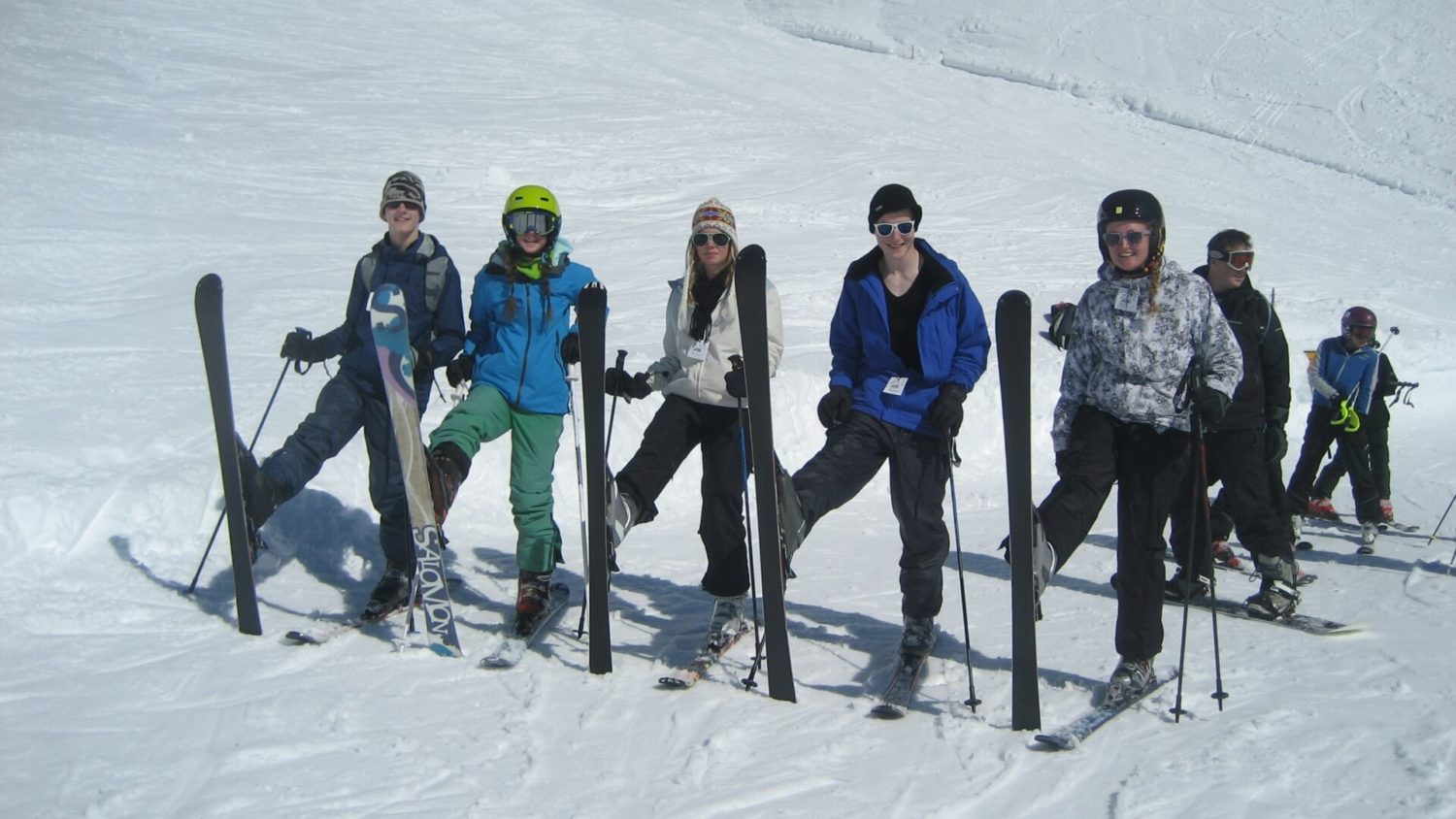germany friends skiing together